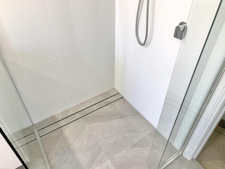 Side drainage